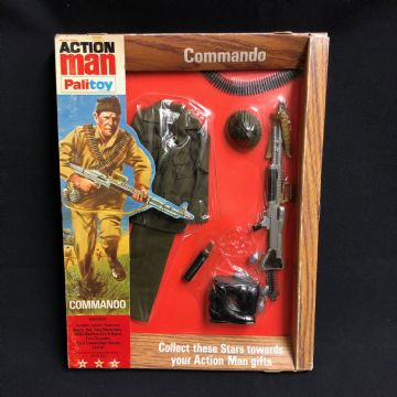 VINTAGE ACTION MAN - COMMANDO - CARDED UNIFORM (Re27/11))